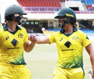 Ashleigh Gardner and Ellyse Perry cap off stellar day for Aussie cricket