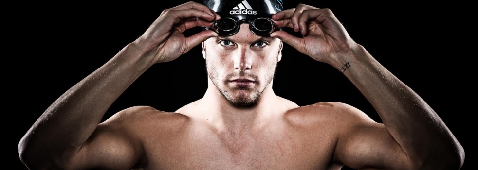 Olympic Swimming Champion Kyle Chalmers Signs with WSM